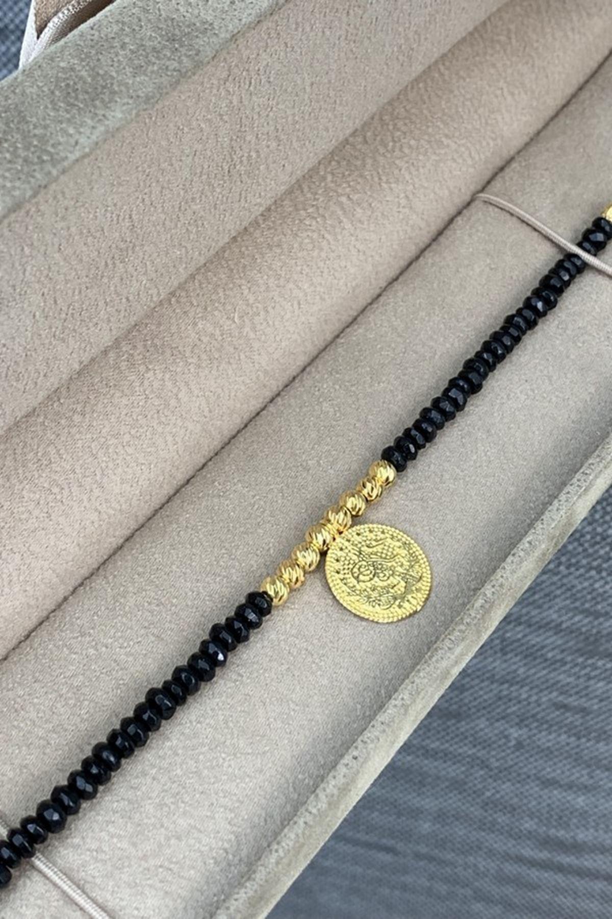 Dorika Toplu Siyah Taşlı Altın Bileklik Y00280