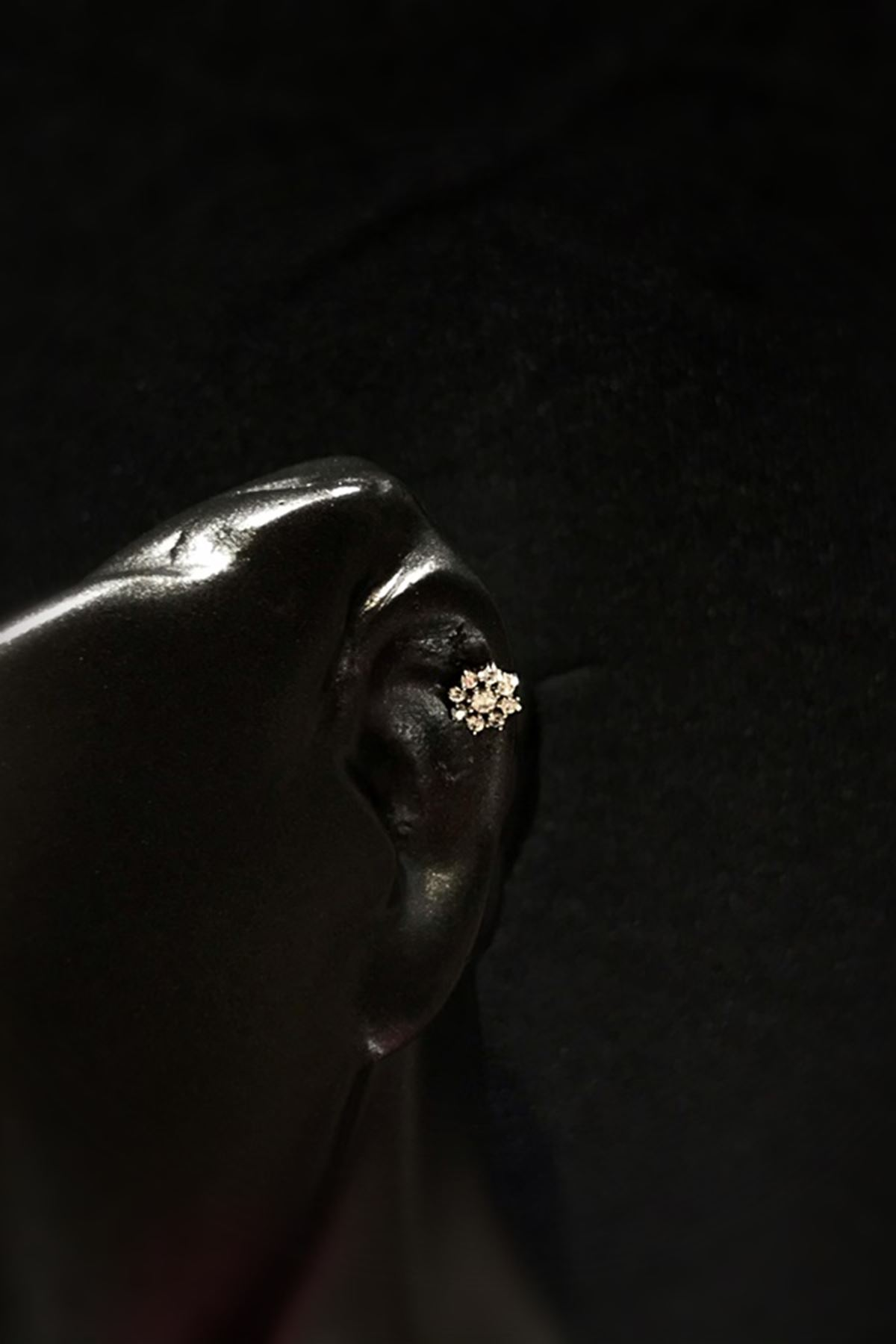 Taşlı Çiçek Tragus TRG0005